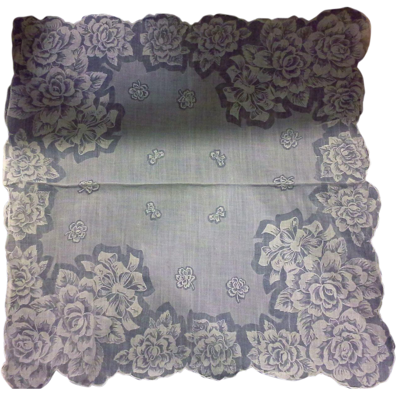 White Roses Printed Scalloped Handkerchief Hanky