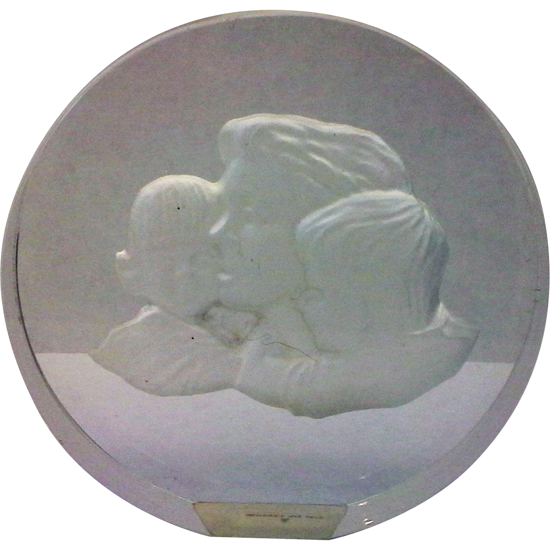 Danbury Mint Mother's Day Clear Glass Paperweight Frosted Intaglio Mother Children