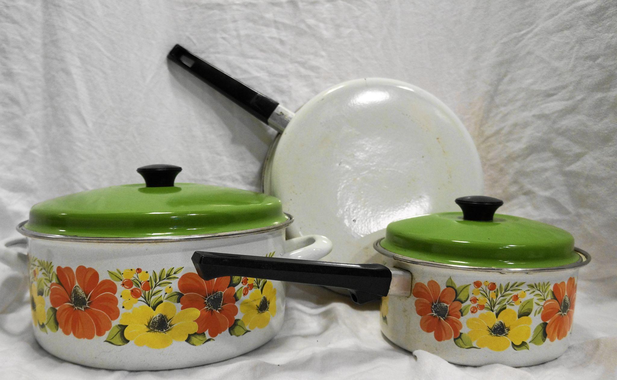 Orange Yellow Flower Porcelain Enamel Cookware Set 5 Pcs
