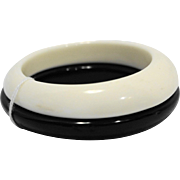 Black White Lucite Stacking Bangles Bracelets Pair
