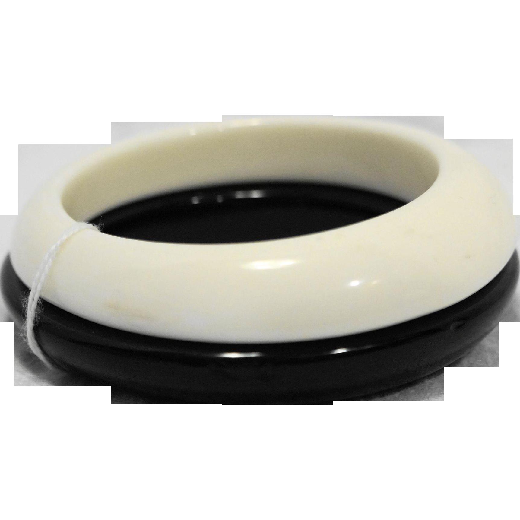 Black White Lucite Stacking Bangles Bracelets Pair