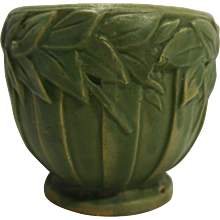 McCoy Small Planter Jardiniere Flower Pot Laurel Leaves Band Ribbed Matte Green 1930s