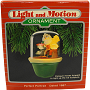 Hallmark Ornament Holiday Magic Perfect Portrait NIB 1987