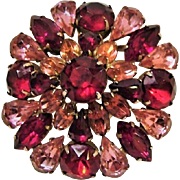 1930's : Hollywood Glamour Domed Brooch