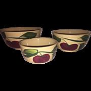 Set of 3 Watt Pottery Graduated Nesting Bowls in the Apple pattern