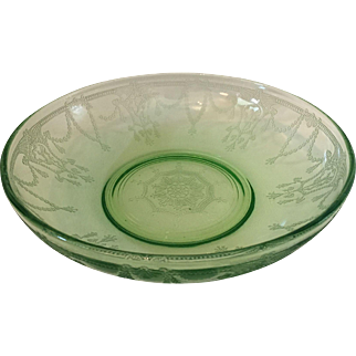 Hocking Green Cameo Round Serving or Large berry bowl