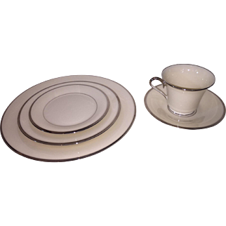 Lenox Solitaire  5 piece plate setting