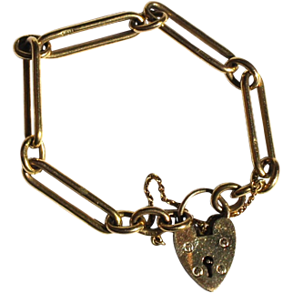 Classic British 9ct Yellow Gold Fancy Link Charm Bracelet Heart Lock Clasp
