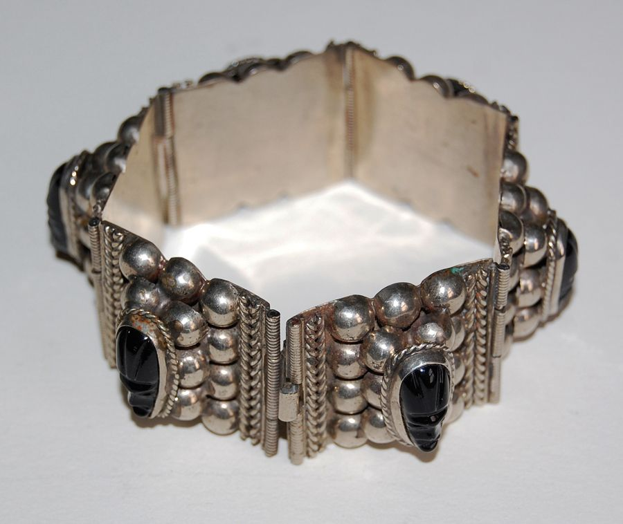 Vintage MEXICAN STERLING Bracelet - Carved Onyx Heads, pre 1950