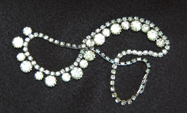 WEISS - Signed vintage Costume RHINESTONE NECKLACE  (Choker) - Stunning!!