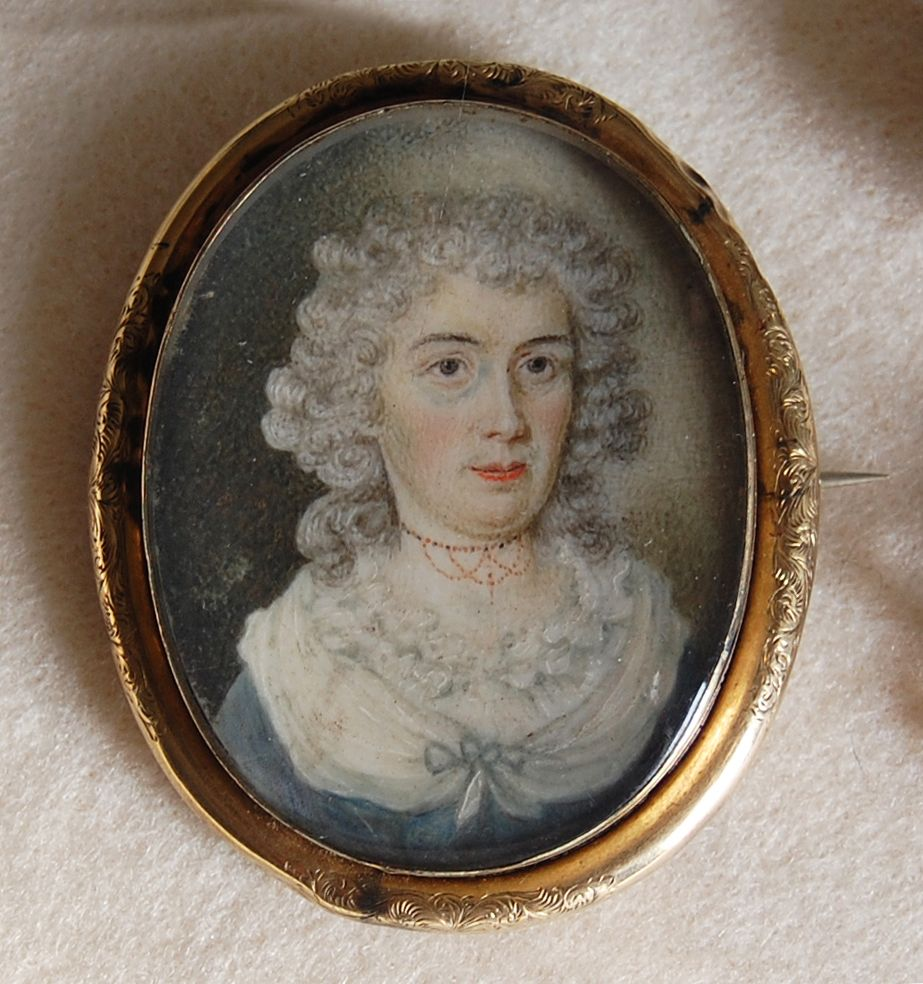 early 19th century - PORTRAIT MINIATURE BROOCH  (Hair Locket) - 10k Gold