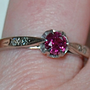 Vintage RUBY RING - 14K Gold / Diamonds / c1915 / Very pretty!