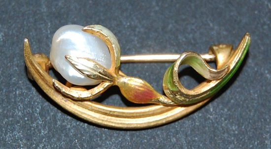 Art Nouveau Pastel ENAMEL & GOLD BROOCH - Flower Bud / Botanical