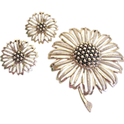 Large Bright Sunflower Brooch and Earring Set Sarah Coventry