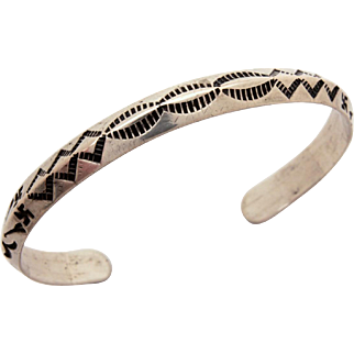 Fred Harvey Era Sterling Native American Cuff Bracelet Whirling Logs & Indian Arrows