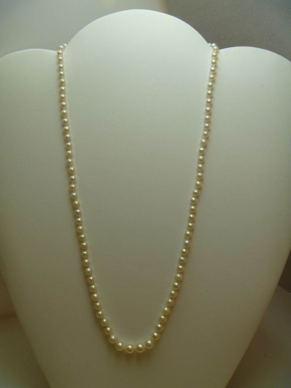 Vintage 1940 S Cultured Pearl Necklace From