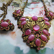 Vintage 30s 40s Pink Art Glass Star Sapphire Brass Necklace