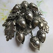 Older Vintage 30s 40s Acorn Oak Leaf Pin