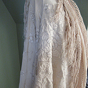 Deco Vintage Embroidered Piano Shawl