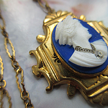 Vintage 1930s Glass Cameo Habille Necklace     Colonial Village 1934