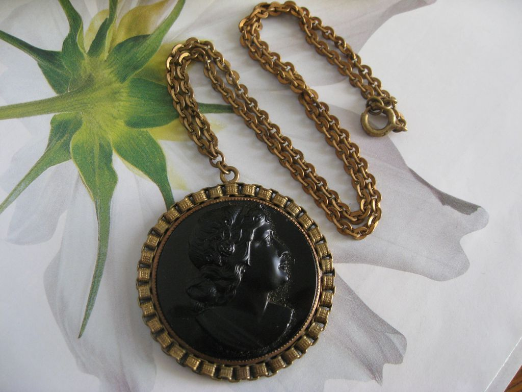 Victorian Revival Molded Glass Cameo Necklace