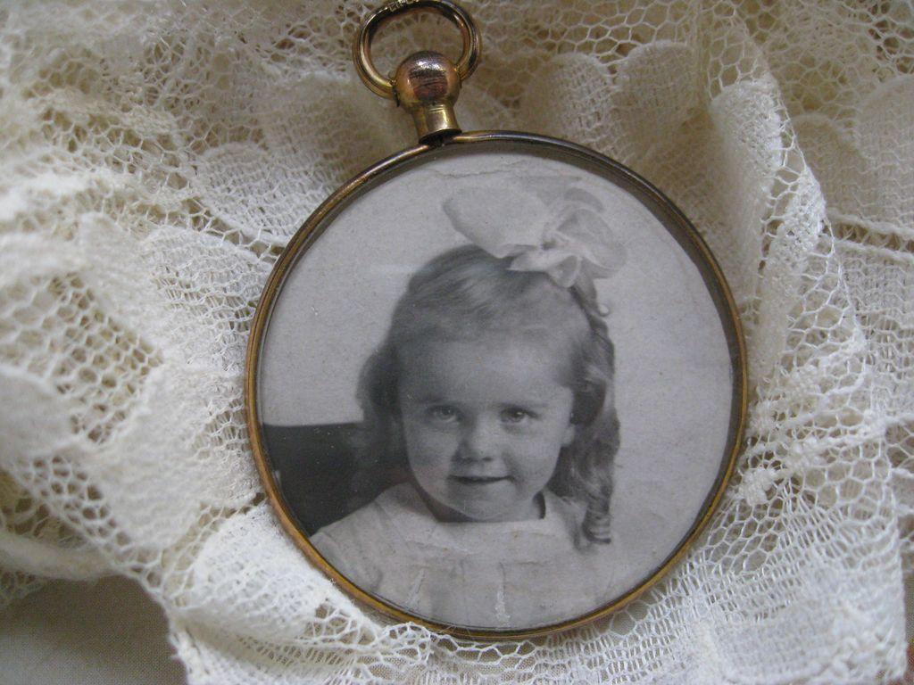 Lovely Old Picture Frame Locket