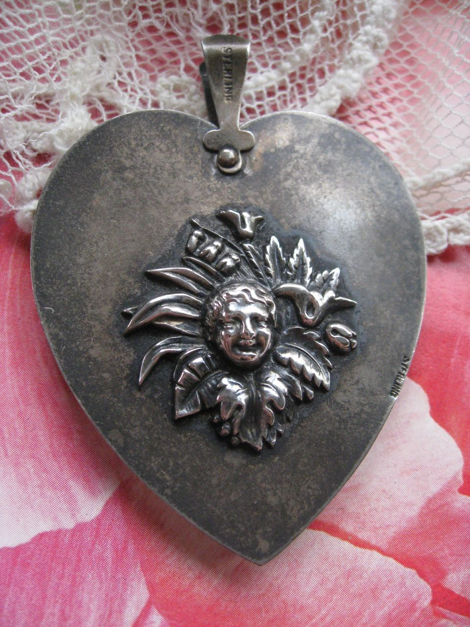 Art Nouveau Sterling Heart Aide memoire