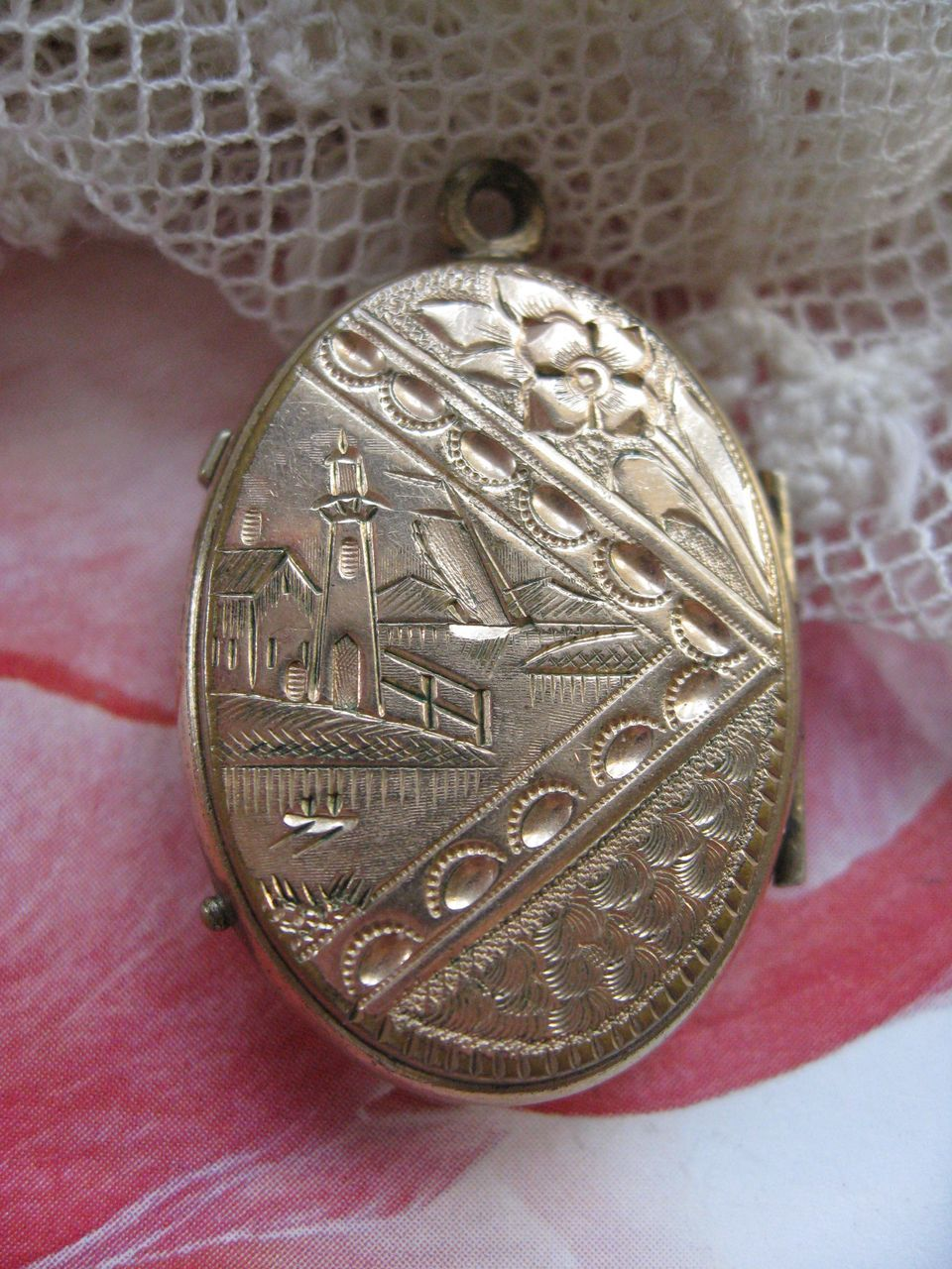 Victorian Locket  Light House