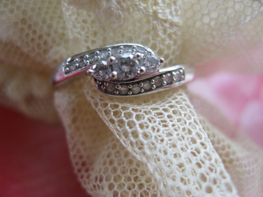 Estate 14K White Gold Diamond Ring
