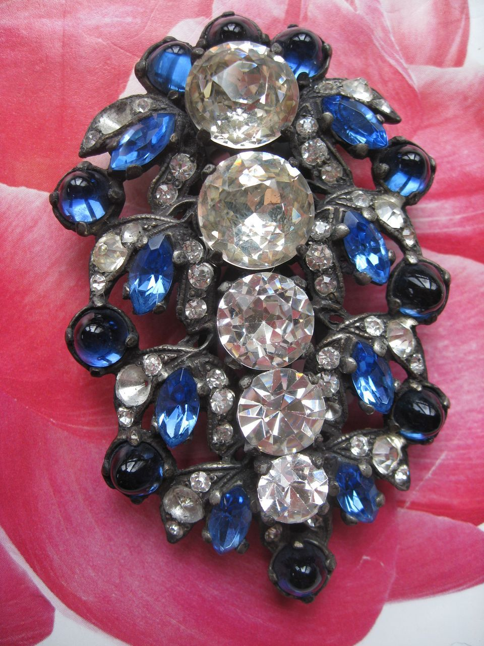 Art Deco Crystal Fur Clip   Spectacular