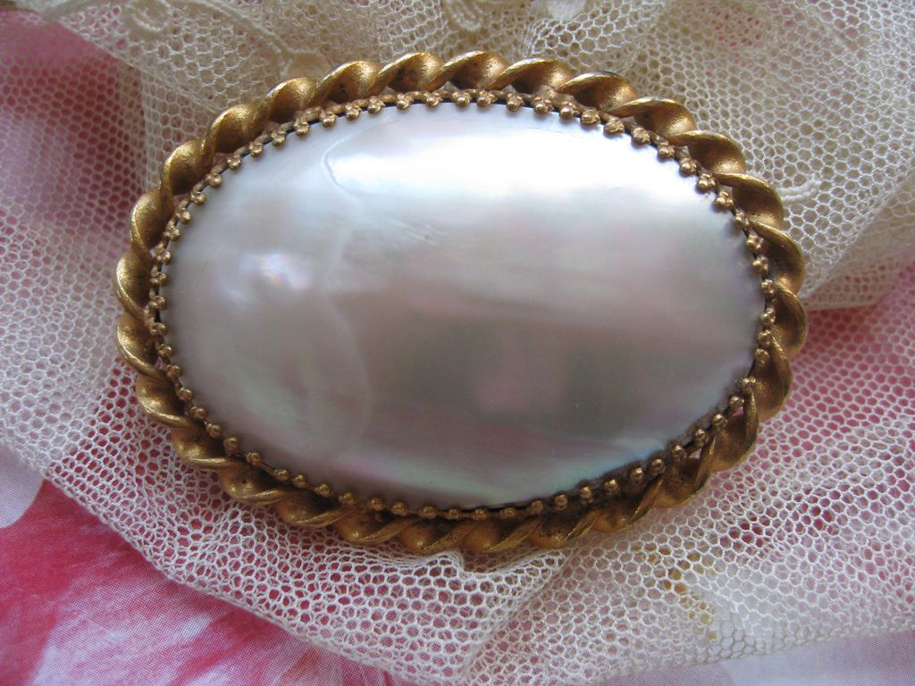 Victorian Mother Of Pearl Pin
