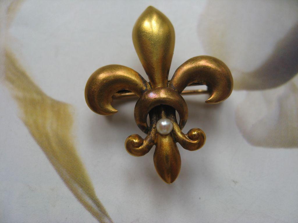 14K Fleur Di Lis Watch Pin  Krementz Circa 1910