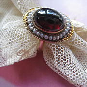 Antique Cabochon Garnet & Seed Pearl 10K Ring