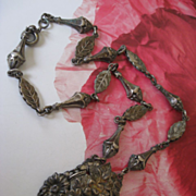 1930s Floral Necklace