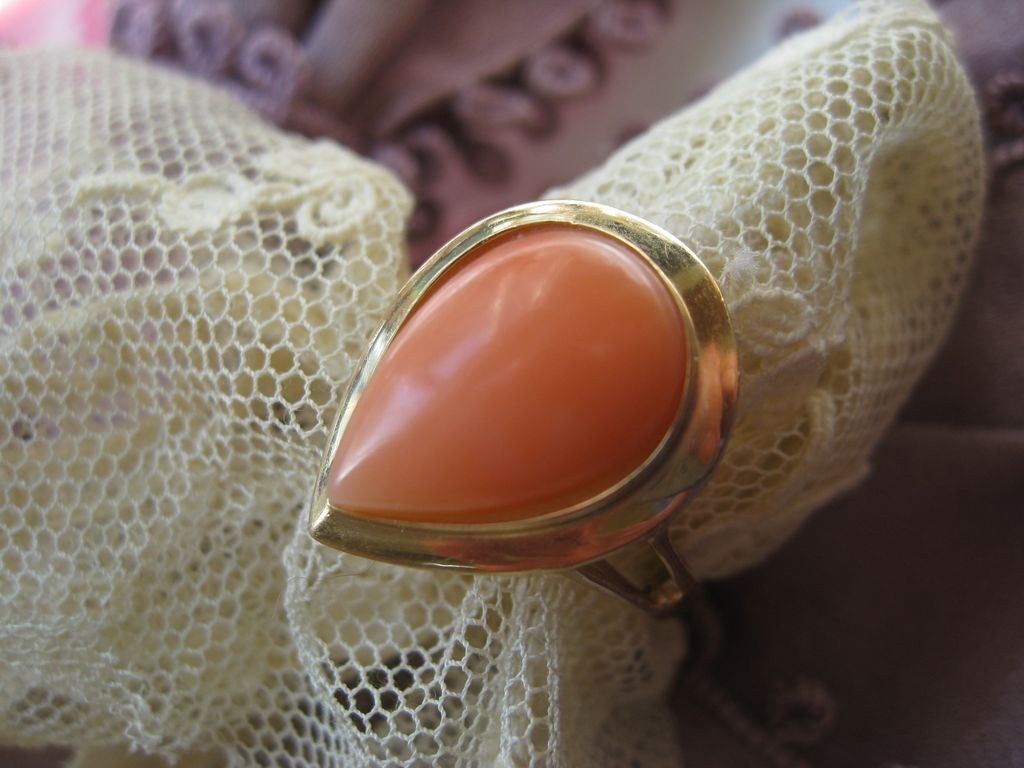Vintage Pear Shaped Coral Ring 14K Yellow Gold 585 European