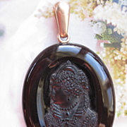 Victorian Hard Stone Intaglio Cameo Locket  Mary Queen Of Scotts