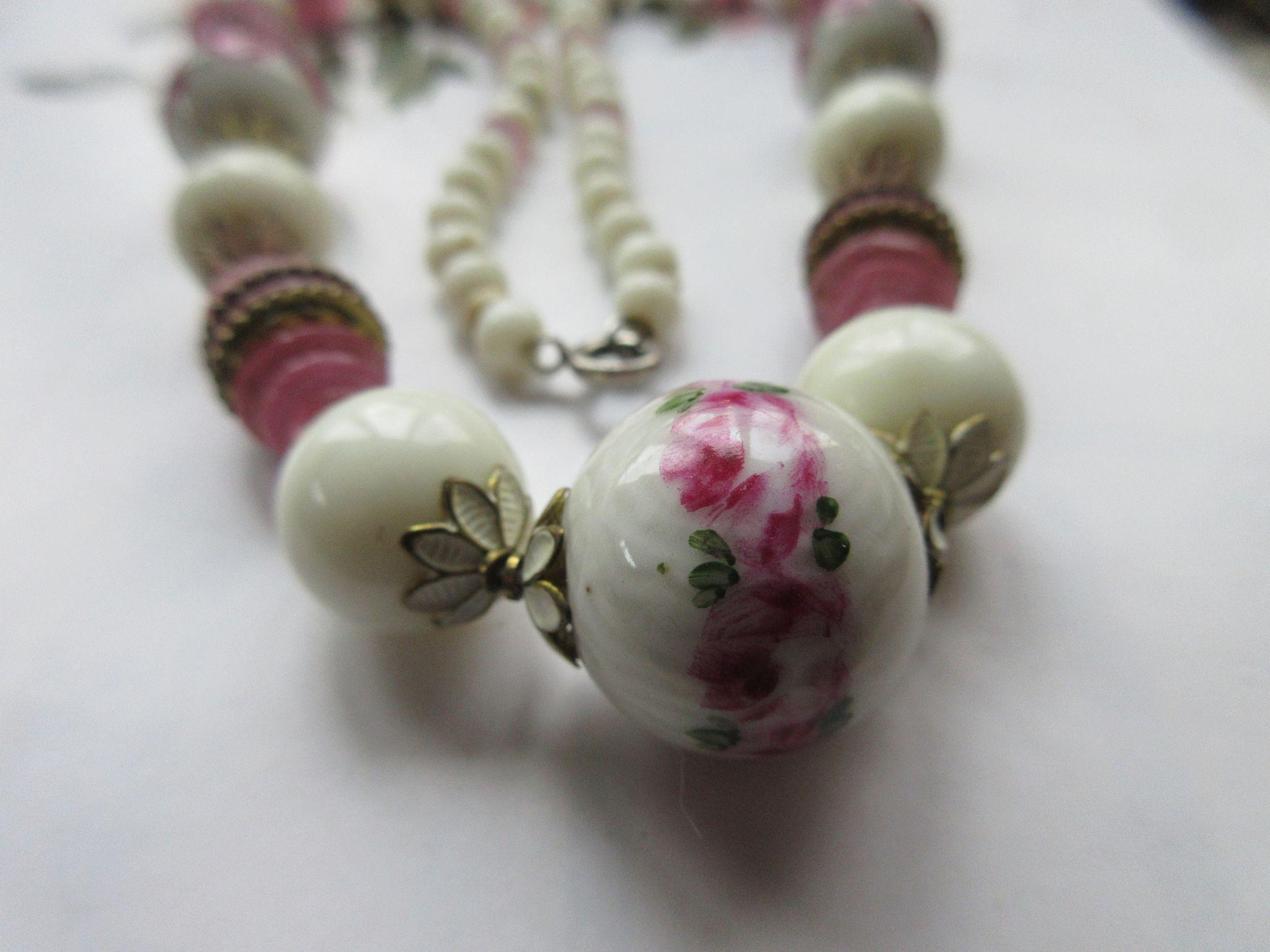 Vintage Enameled Art Glass Beaded Necklace