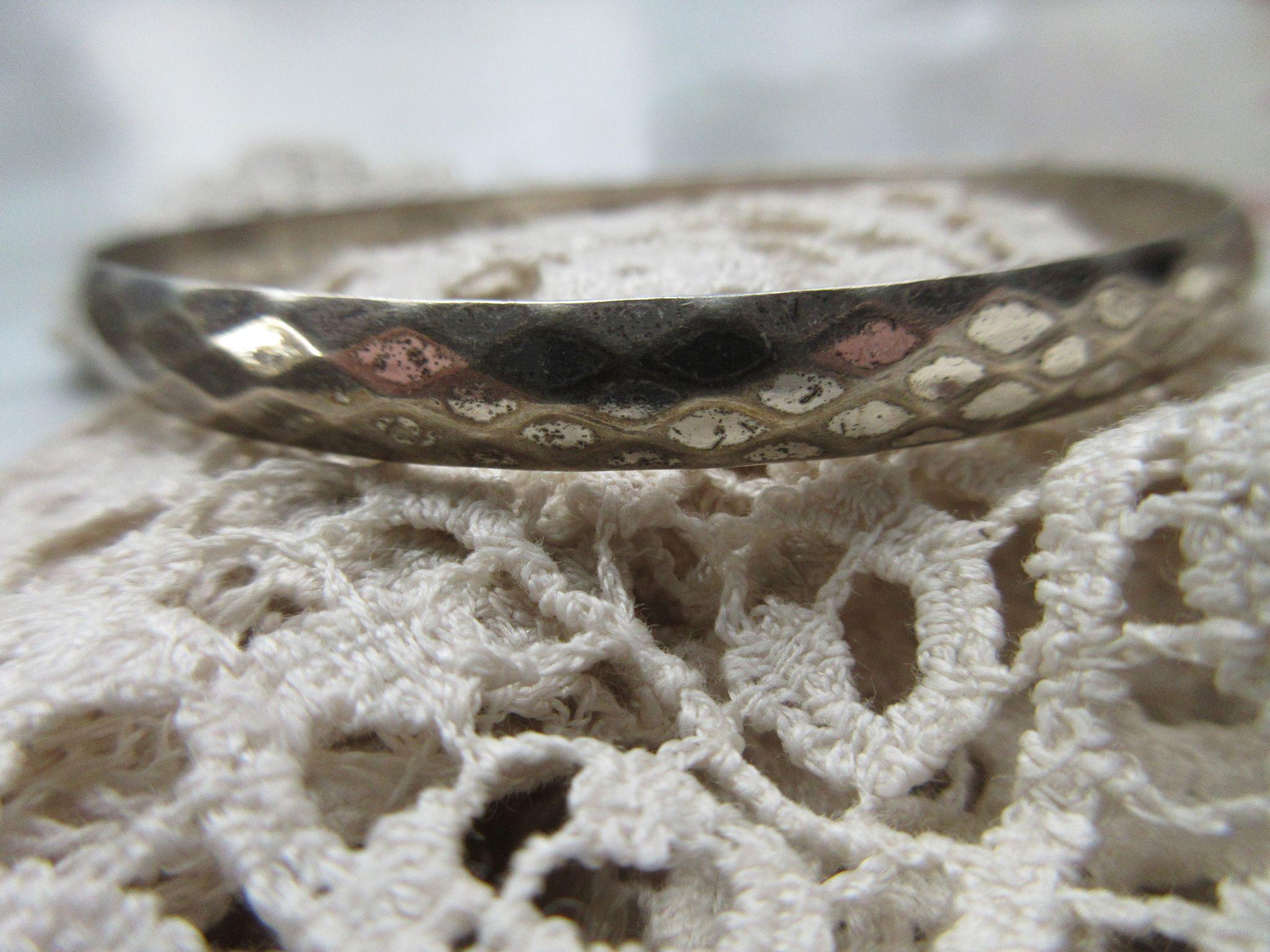 Danecraft Vintage Hammered Sterling Bangle Bracelet Modernist Diamond Pattern