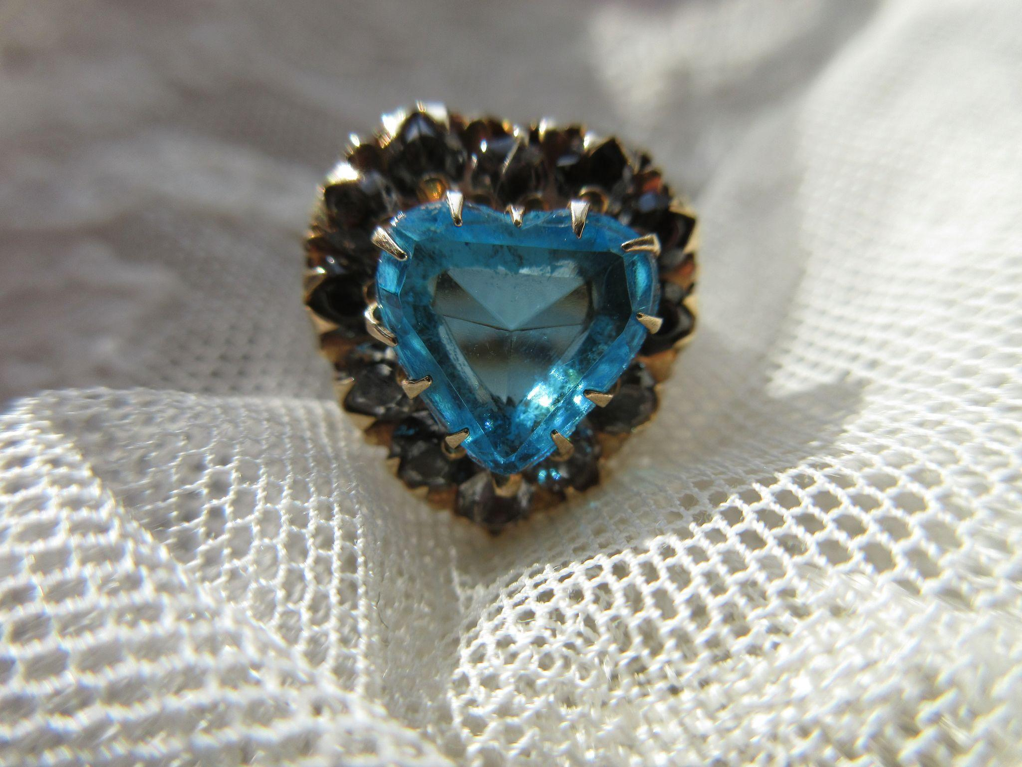 Vintage 40s Retro Paste Heart Ring