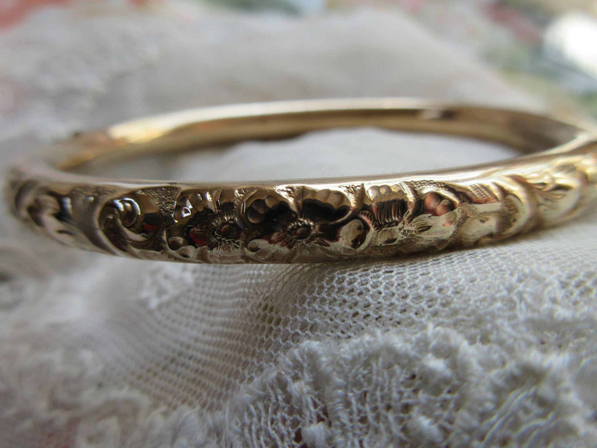 Victorian Repousse Bangle Bracelet in Gold Fill