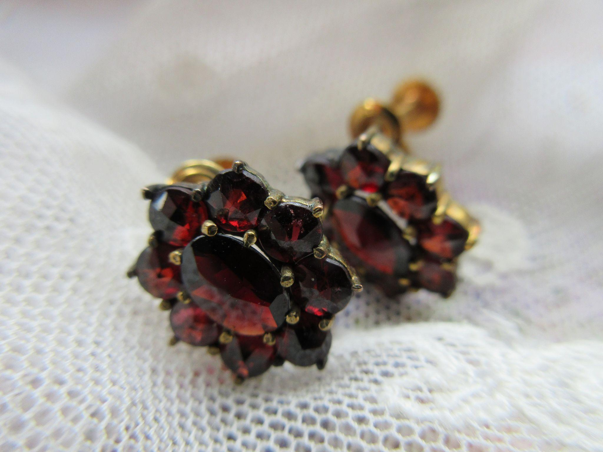 Vintage 1930s Bohemian Garnet Screw Back Earrings