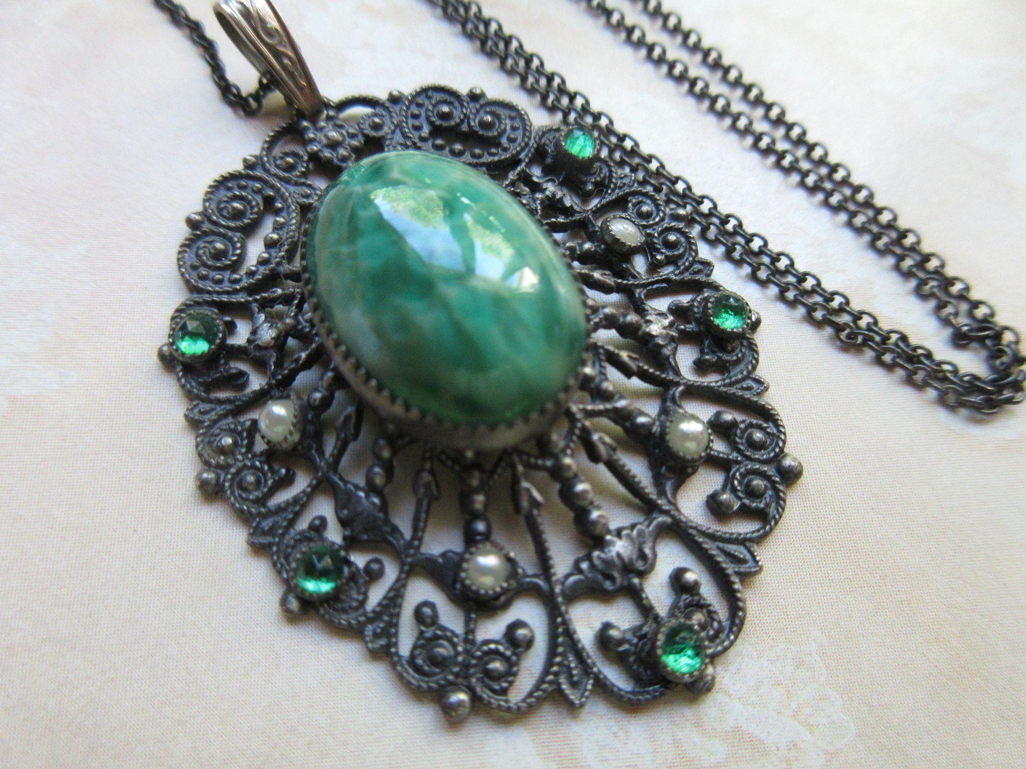 Deco 1930s Filigree Art Glass Vintage Necklace