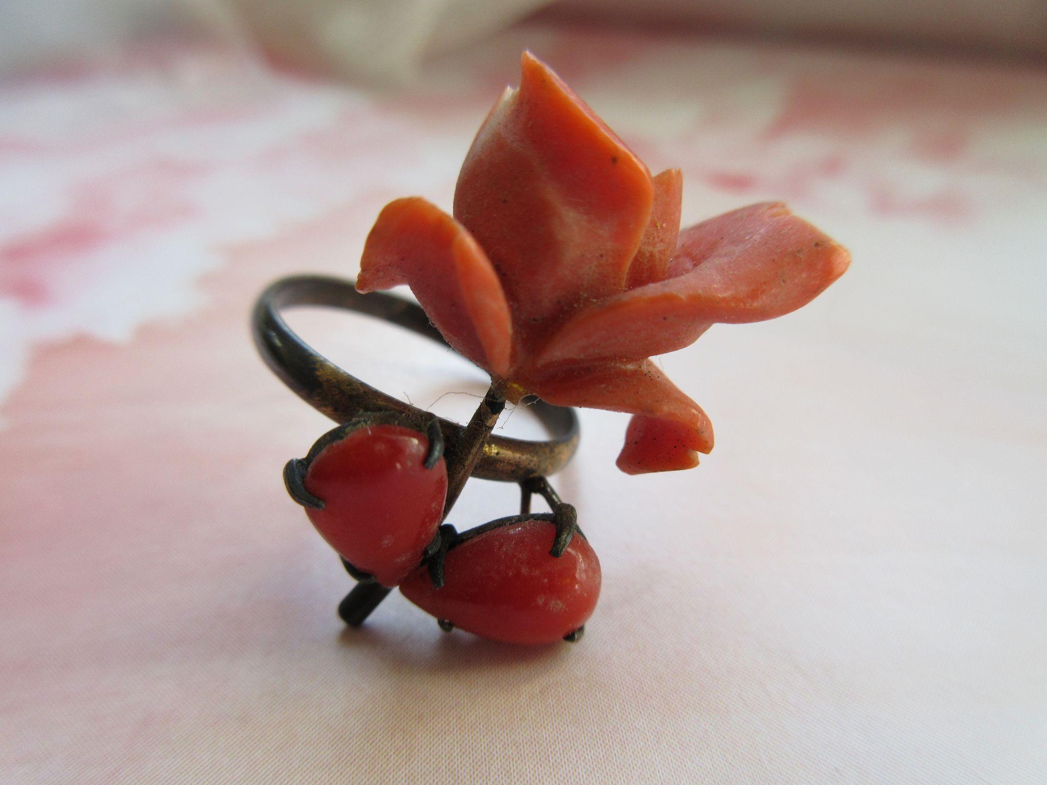 Antique Coral Rose Ring