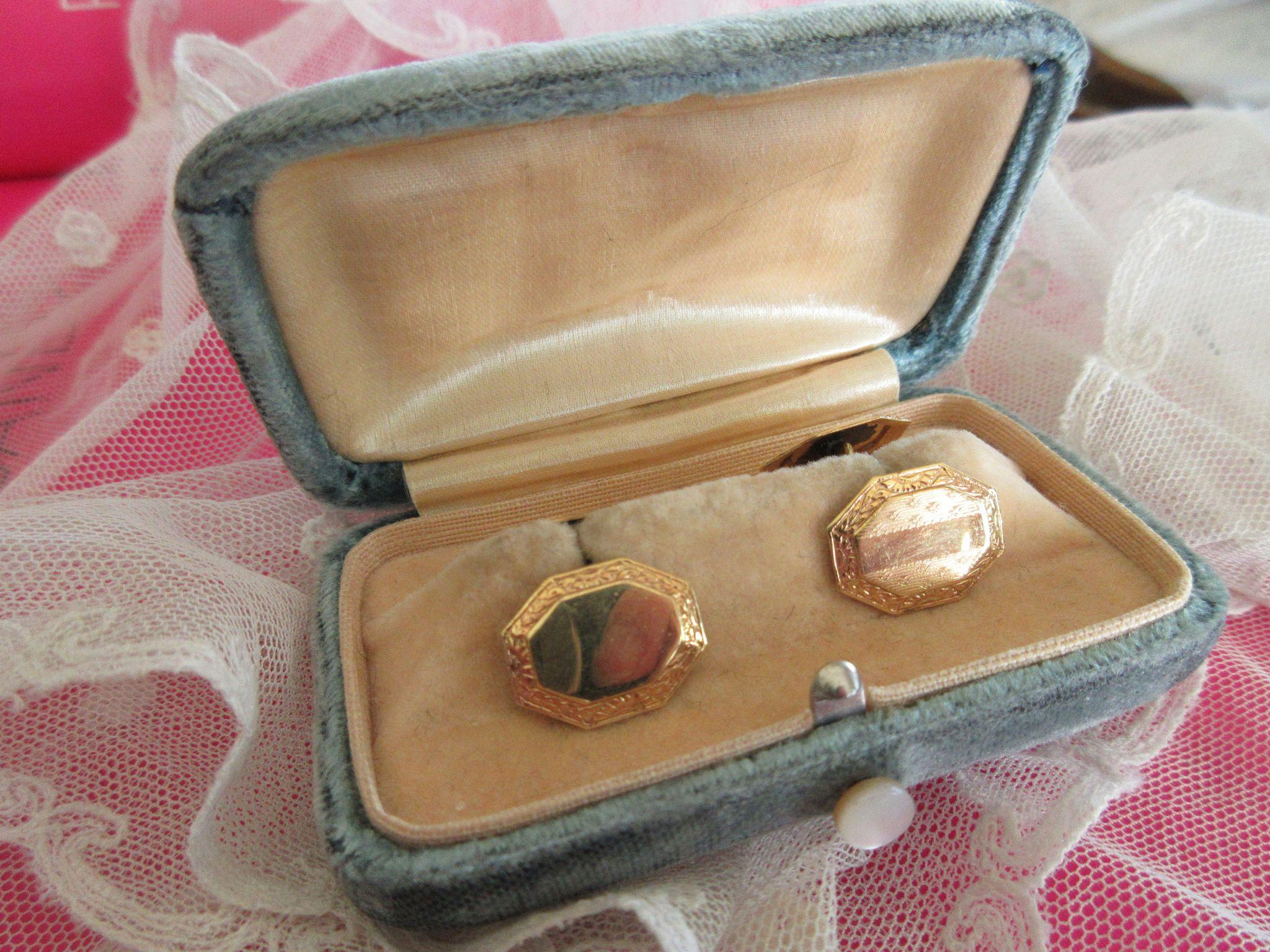 Victorian Double Button Cufflinks in Original Velvet Box  FMCO Cuff Links