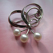 Vintage Mikimoto Akoya Cultured Pearl Sterling Pin