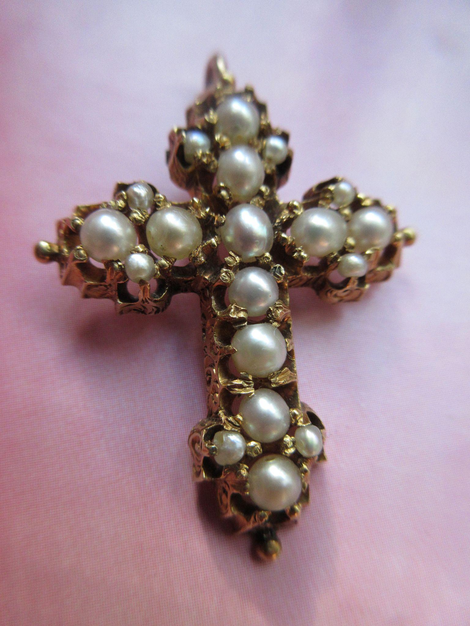 Antique Victorian 18K Cultured Pearl Cross Pendant