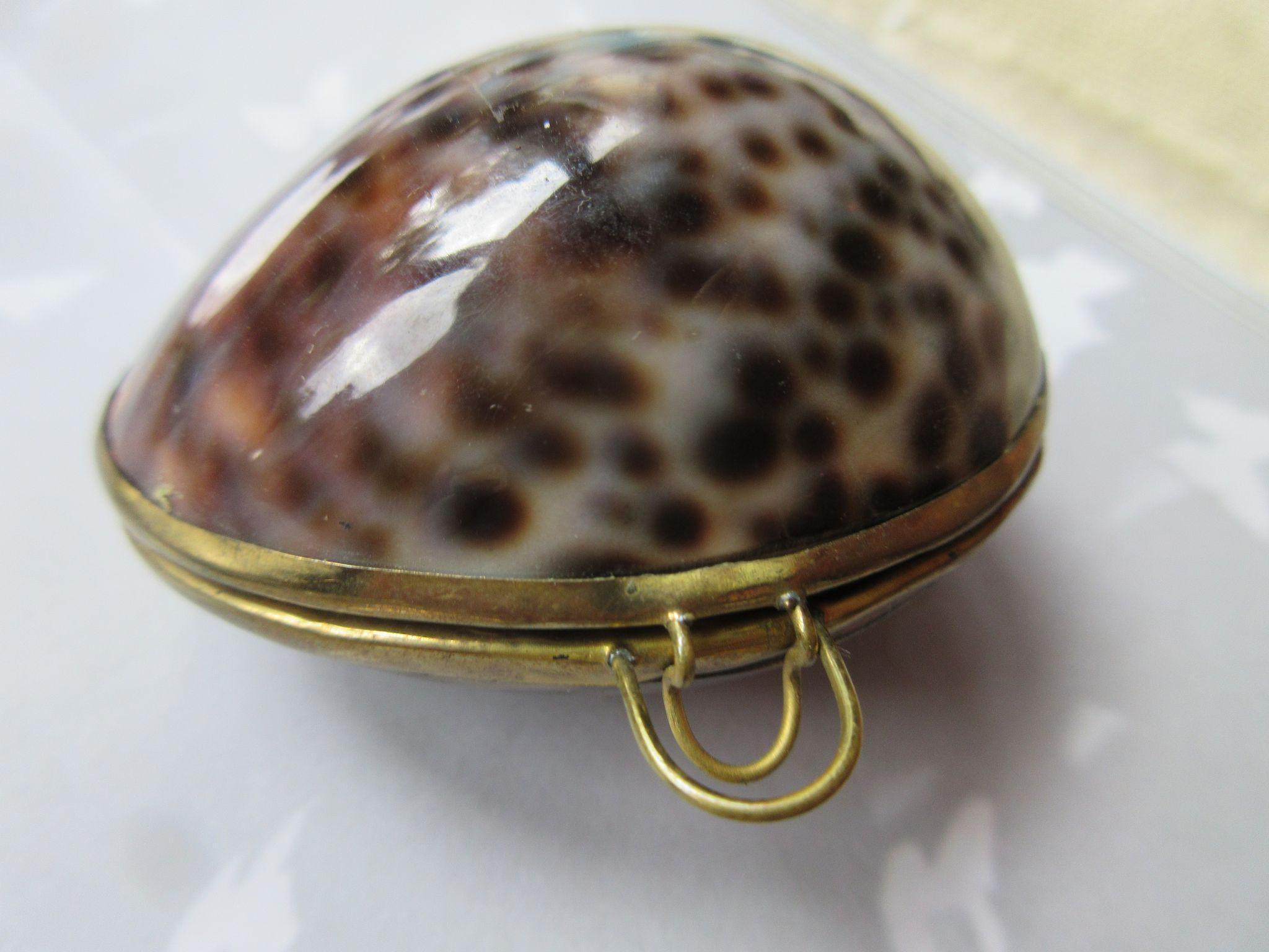 Vintage Shell Box Rosary Holder, Trinket Box