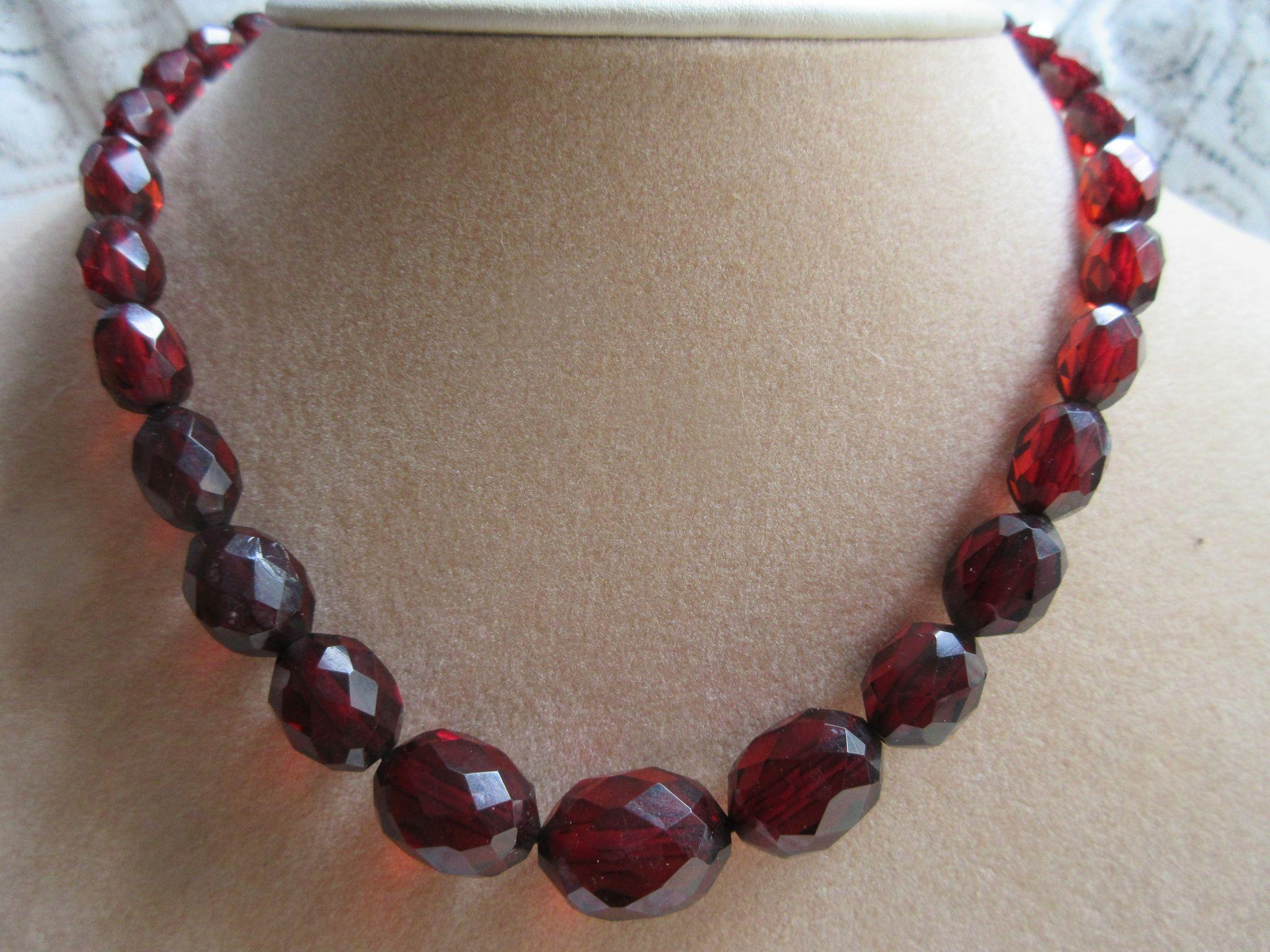 Art Deco Cherry Amber Prystal Bakelite Faceted Bead Necklace