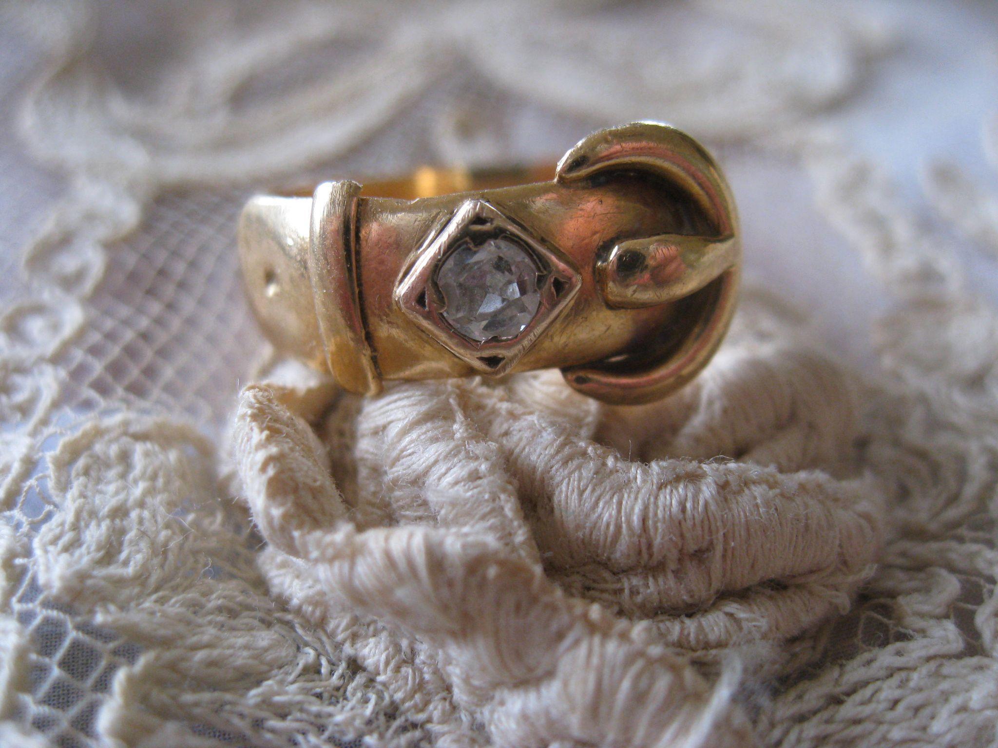Antique 18K Rose Cut Diamond Buckle Ring