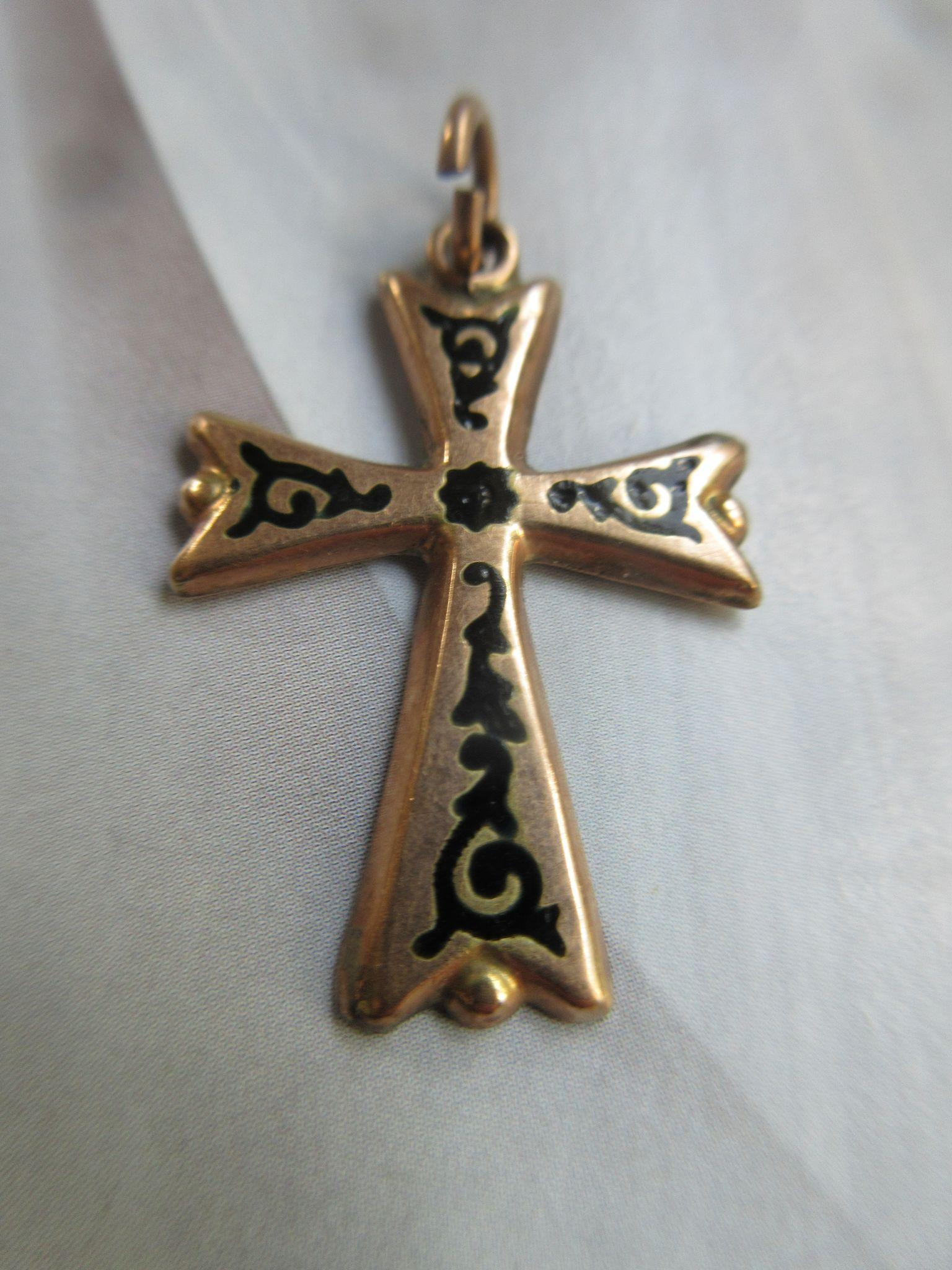 Victorian 10K Enameled Cross Pendant